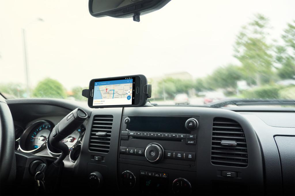 DOCK-JP6-CAR-BLK-CENTER-LANDSCAPE-SGS6-2000px