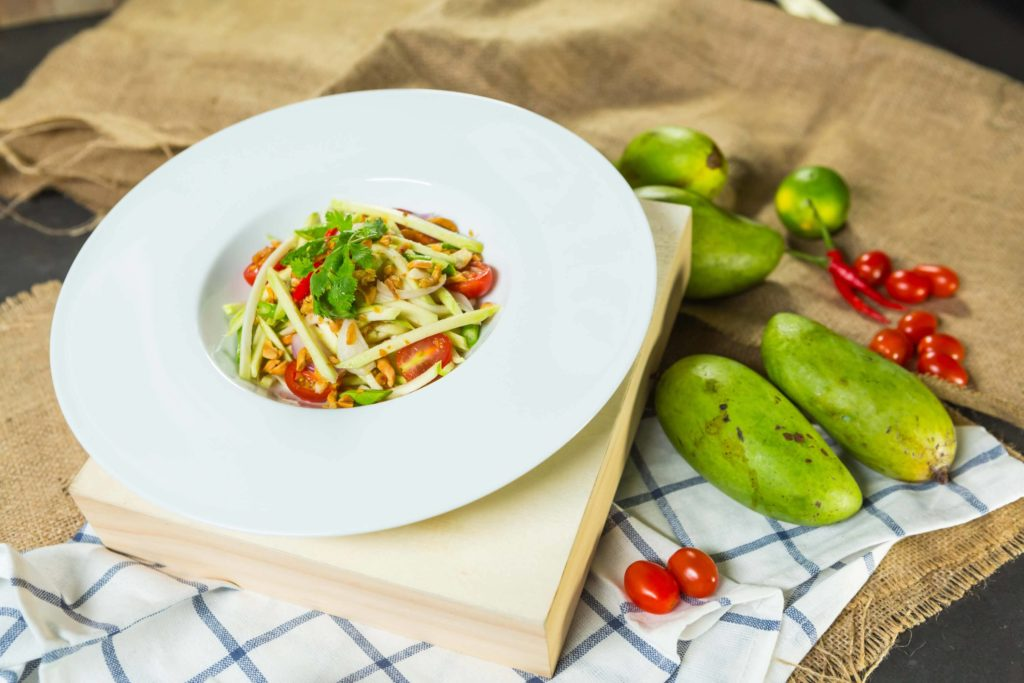 2-thai-green-mango-salad-with-dried-shrimps
